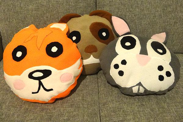 Animal-Pillows-01